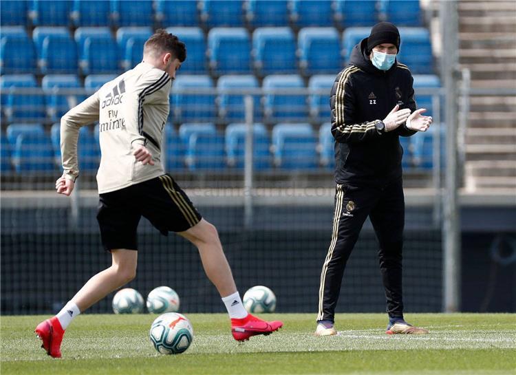 زين الدين زيدان في تدريبات ريال مدريد