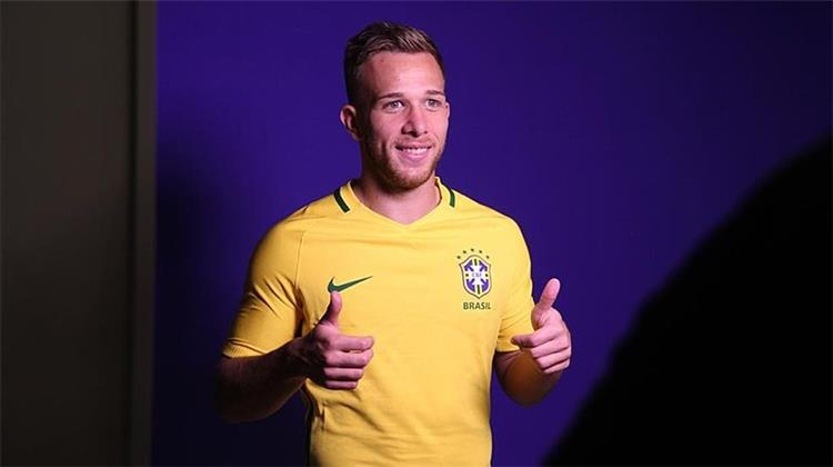 آرثر ميلو بقميص البرازيل