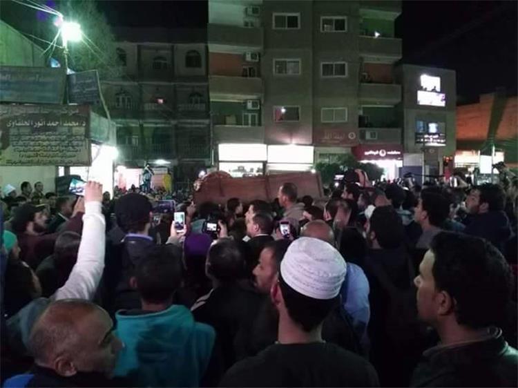 بطولات  العميد وثلاثي الأهلي يشيعون جثمان أبو تريكة لمثواه الأخير