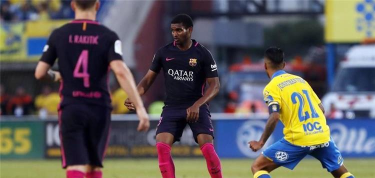 برشلونة يخطط لبيع لاعبه