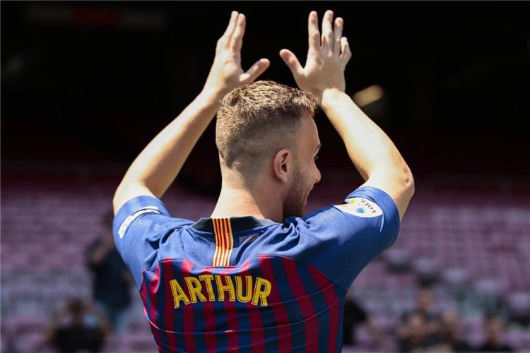 آرثر ميلو بقميص برشلونة