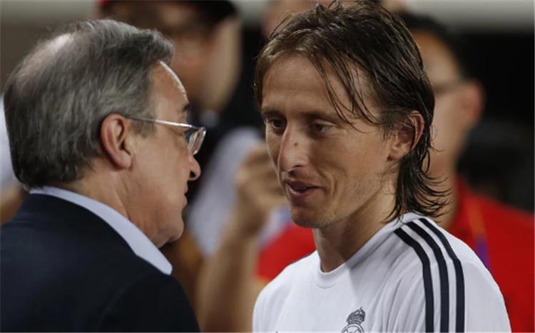 رئيس ريال مدريد يرفض حسم مصير مودريتش