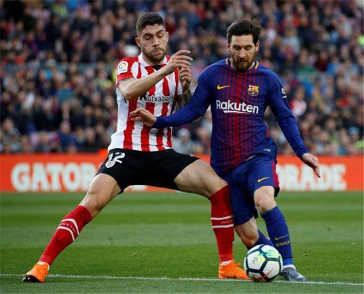 برشلونة يفكر في استعادة ماسكيرانو ويفاضل بين 3 صفقات دفاعية