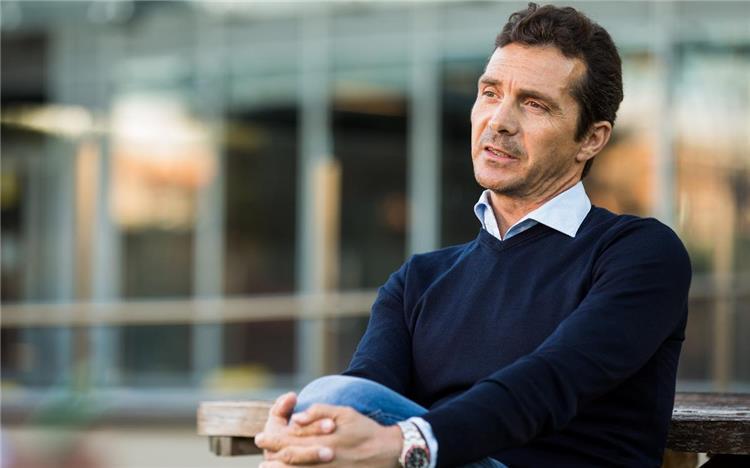جييرمو أمور مدير العلاقات المؤسسية في برشلونة