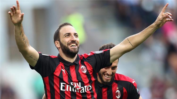 Sari comments on the possibility of Higuain moving to Chelsea 1