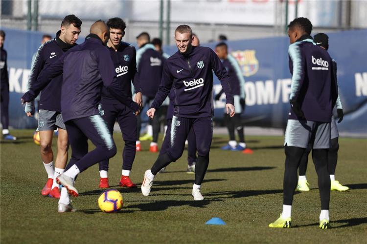 ثنائي برشلونة يعود إلى التدريبات بعد غياب للإصابة
