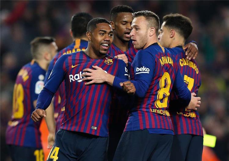 ماركا تكشف موقف نجم برشلونة من اللعب في الكلاسيكو ضد ريال مدريد بكأس الملك