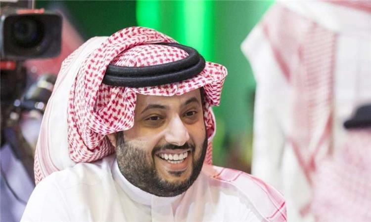 تركي آل الشيخ يكافئ لاعبي بيراميدز بعد الفوز أمام المقاولون.. ويقدم عرضًا لعماد النحاس