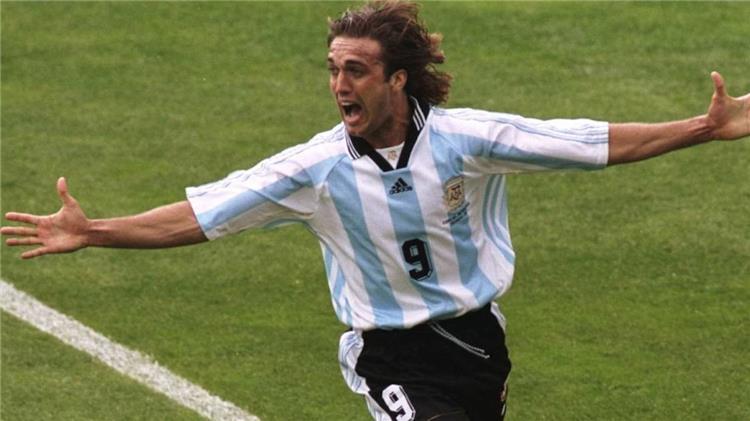 batistuta: icardi can offer the best and higuain a great striker
