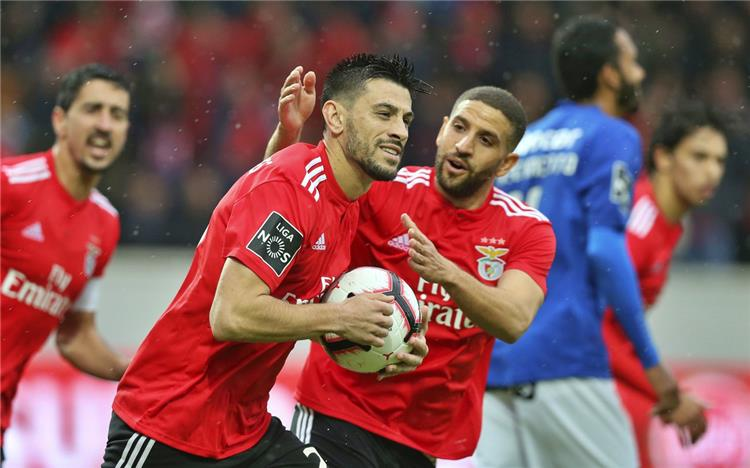 Ferencie Ali Ghazal decides to drop in practice after falling four points to Benfica in the Portuguese league