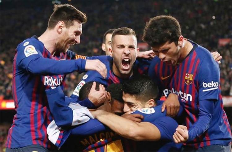 تشكيل برشلونة ضد هويسكا ديمبلي ومالكوم يقودان الهجوم وغياب ميسي