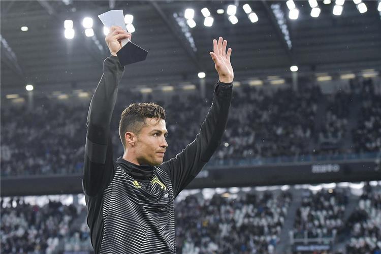 رونالدو يتوج بالأفضل في الدوري الإيطالي ويحقق إنجازًا تاريخيًا -