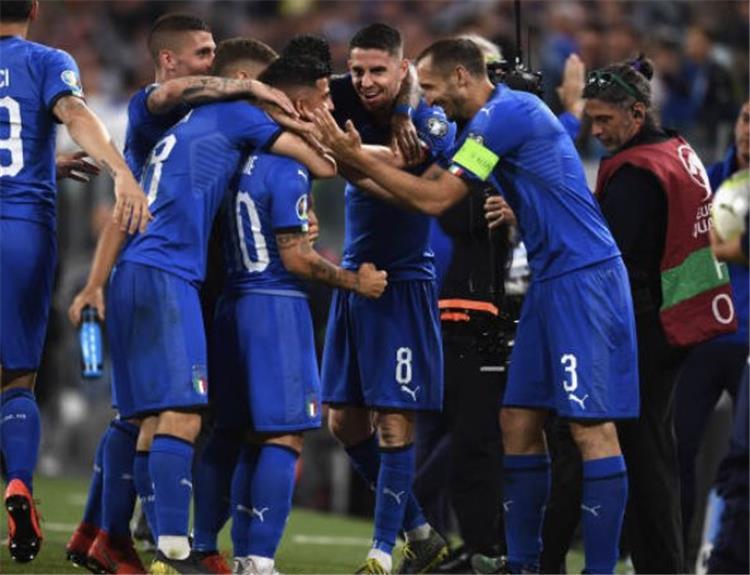 فيديو إيطاليا تقلب الطاولة على البوسنة والهرسك بالتصفيات المؤهلة ليورو 2020