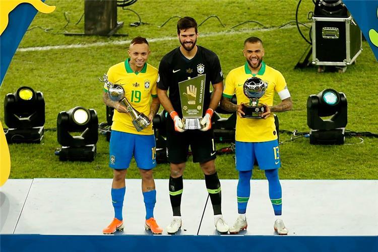 البرازيل تكتسح جوائز كوبا أمريكا