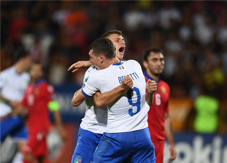 بيلوتي في مباراة ارمينيا وايطاليا