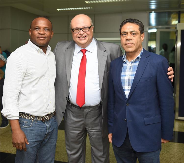 طارق قنديل مع سفير مصر بغينيا