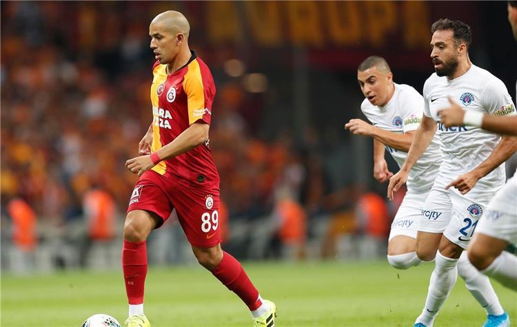 كريم حافظ خلال المباراة
