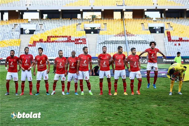 فريق الكرة بالأهلي