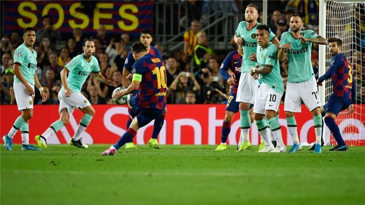 من مباراة برشلونة وانتر ميلان
