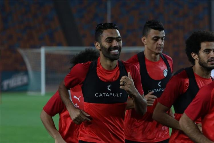 لاعبو الأهلي يغادرون معسكر منتخب مصر لحضور احتفالية تسليم درع الدوري