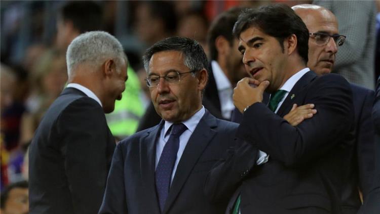جوسيب ماريا بارتوميو ورئيس نادي ريال بيتيس