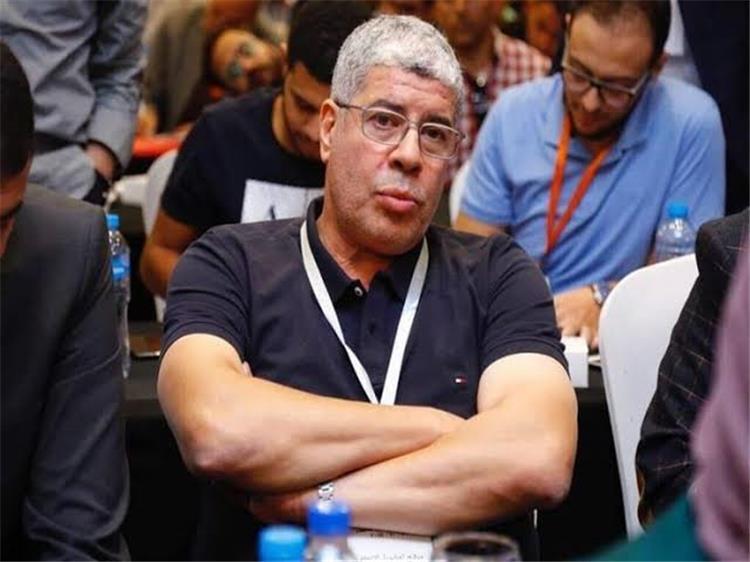 أحمد شوبير يزور نجله في مران الأهلي ويجتمع بـ شريف إكرامي -