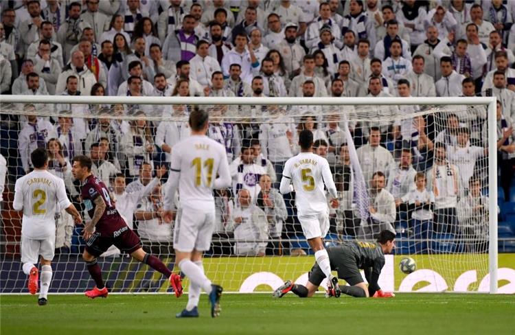 لحظة هدف سمولوف في مرمى ريال مدريد