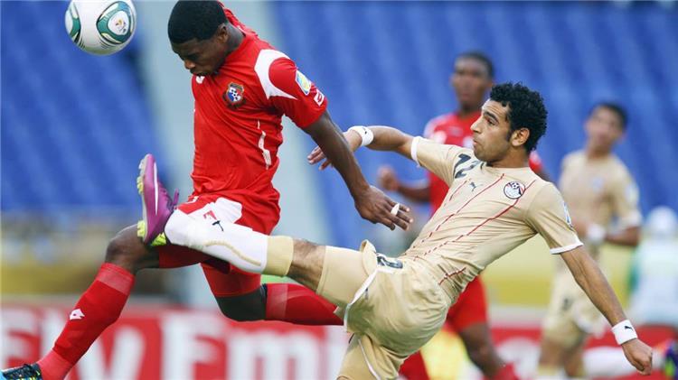 محمد صلاح وكامينجز في مباراة مصر وبنما 2011