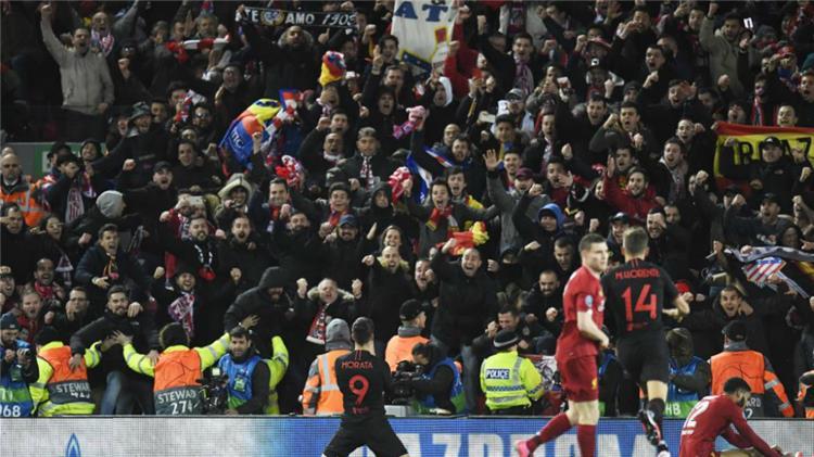 جماهير اتلتيكو مدريد في مباراة ليفربول