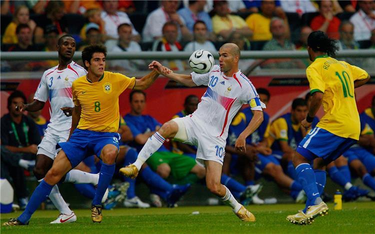 كاكا من مباراة البرازيل وفرنسا 2006