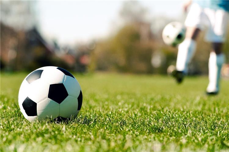 كرة القدم في زمن كورونا