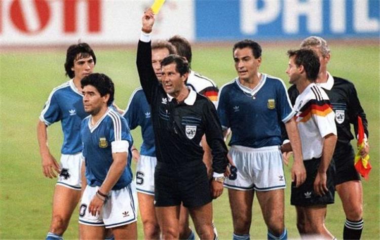 حكم نهائي مونديال 90: مارادونا وقح وحقير.. من أسوأ الذين ...