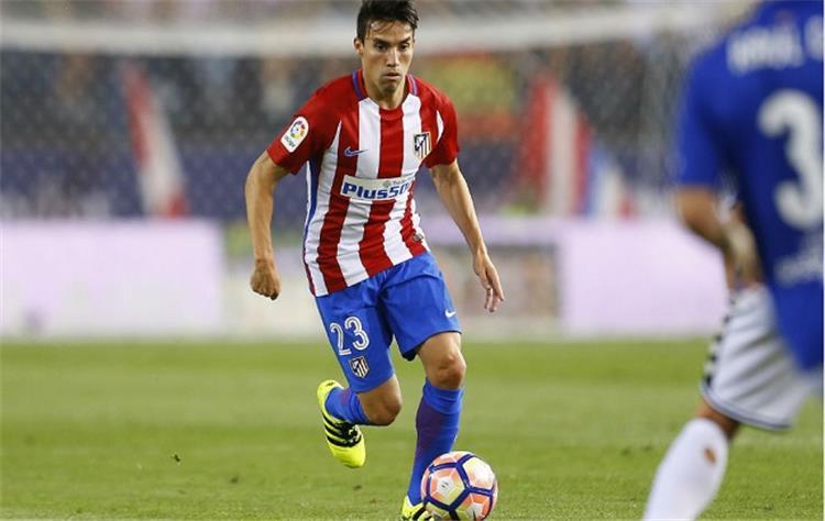 تقارير الميركاتو توتنهام يرغب في التعاقد مع لاعب أتلتيكو مدريد جايتان