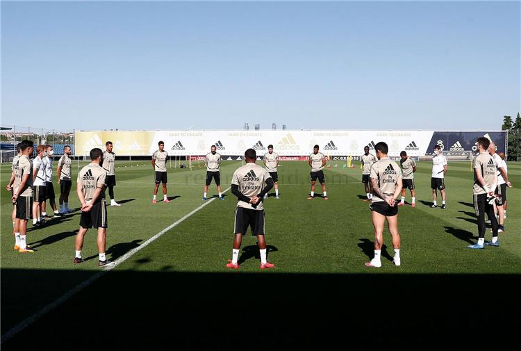 دقيقة صمت في تدريبات ريال مدريد
