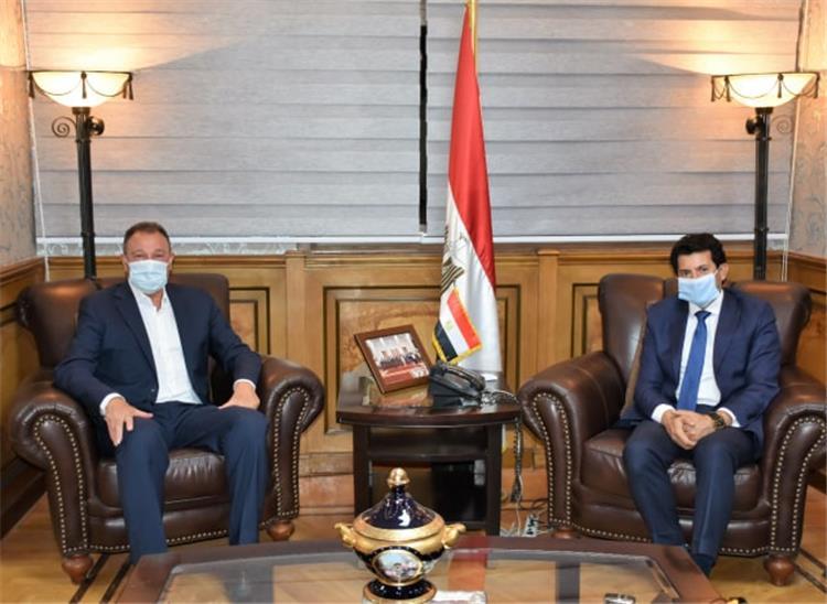 أشرف صبحي مع محمود الخطيب