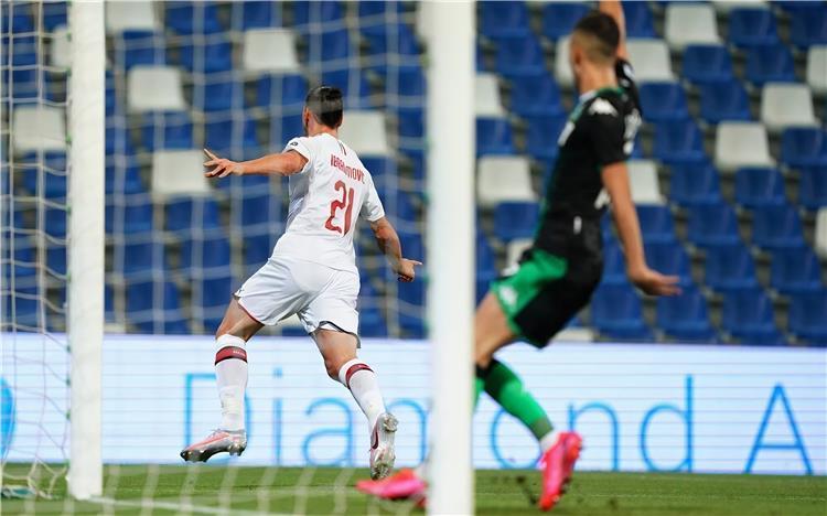 إبراهيموفيتش في مباراة ميلان وساسولو