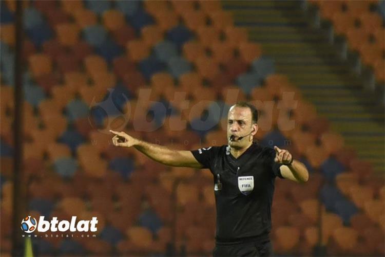 محمد الحنفي حكم مباراة الاهلي ومصر المقاصة