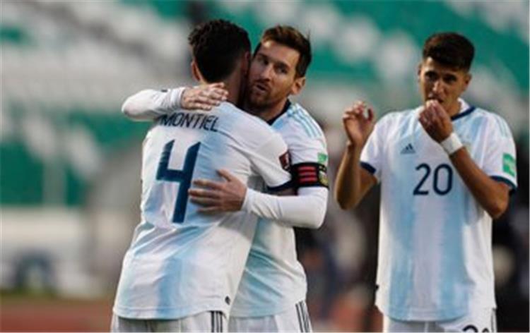 ميسي ولاعبو الأرجنتين أمام بوليفيا