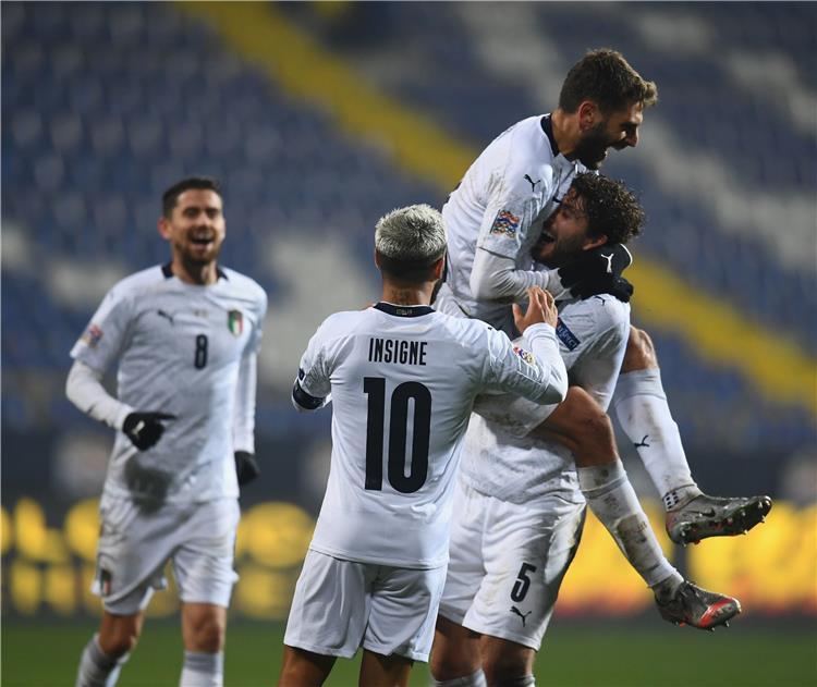 من مباراة إيطاليا والبوسنة والهرسك