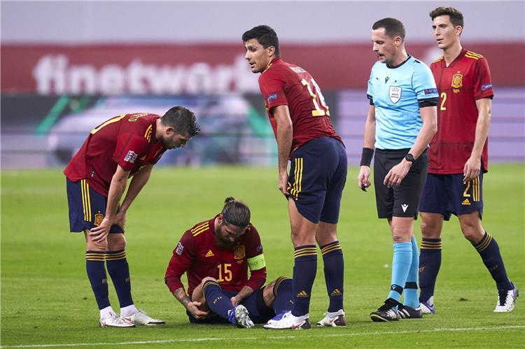 راموس ولاعبي إسبانيا