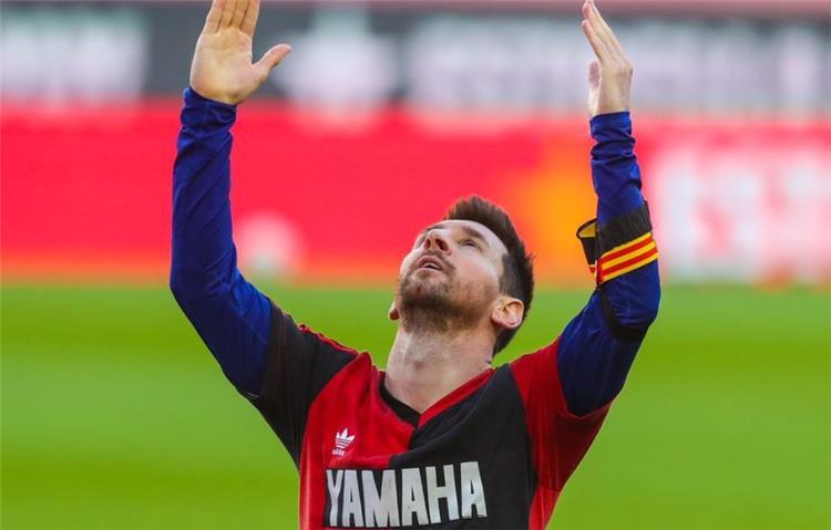 ميسي يسجل هدف برشلونة الرابع