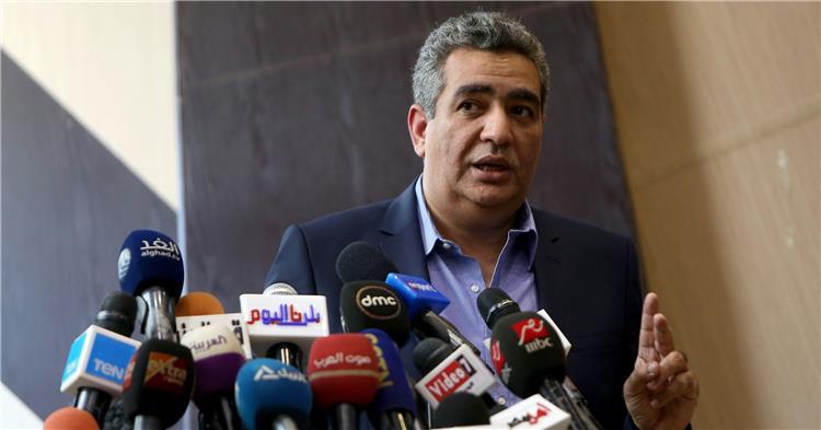 أحمد مجاهد رئيس اللجنة الثلاثية