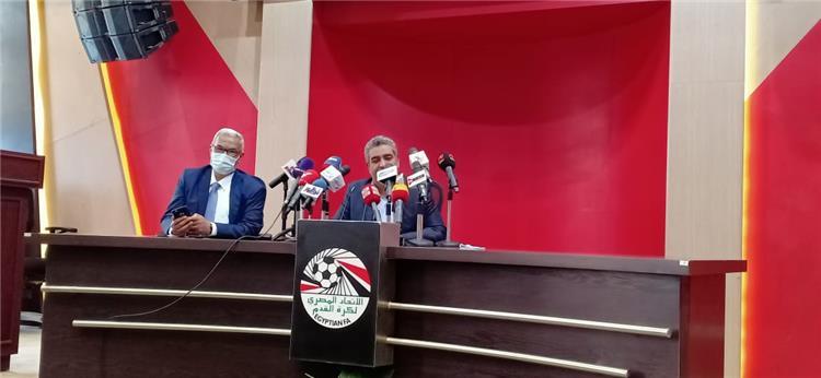 أحمد مجاهد خلال المؤتمر الصحفي