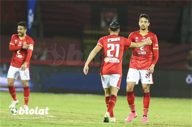 طاهر محمد طاهر لاعب الأهلي