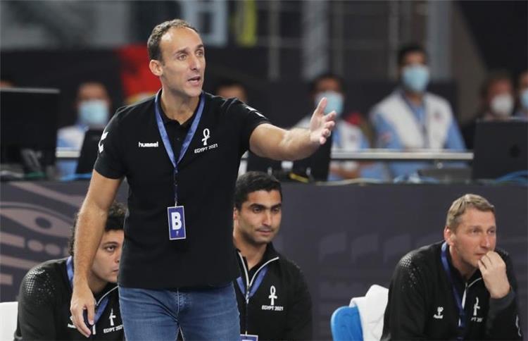 روبرتو جارسيا باروندو مدرب منتخب مصر لليد
