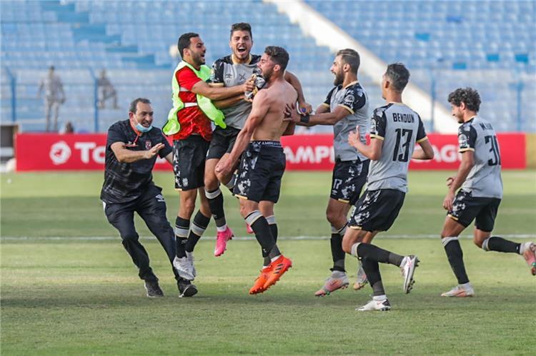 فرحة لاعبي الاهلي بعد التعادل مع المريخ السوداني في دوري ابطال افريقيا