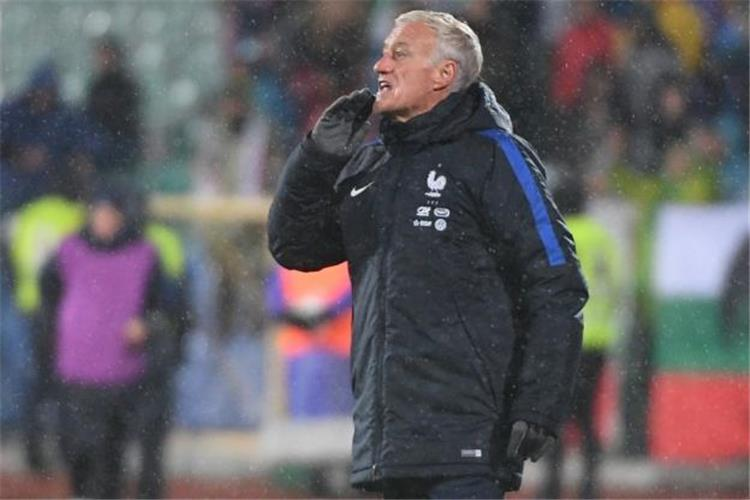 ديشامب لا بديل أمام فرنسا سوى الفوز على روسيا البيضاء