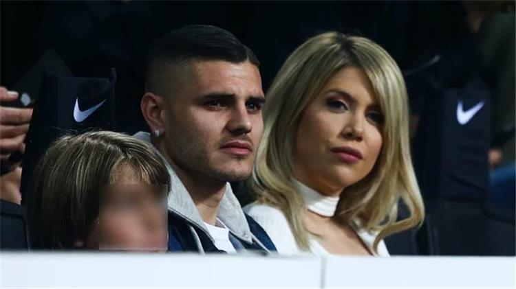 ماورو إيكاردي وزوجته