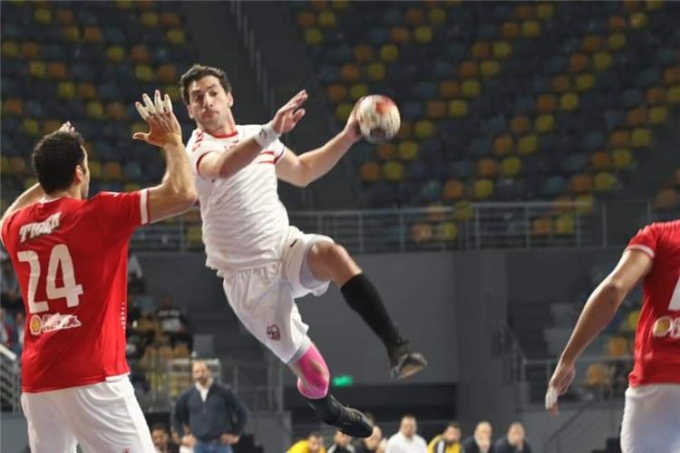 احمد الاحمر لاعب الزمالك لليد