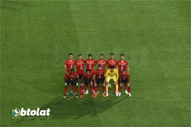 لاعبي الأهلي